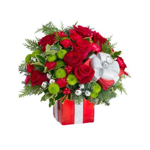 Cubo natalizio di rose rosse